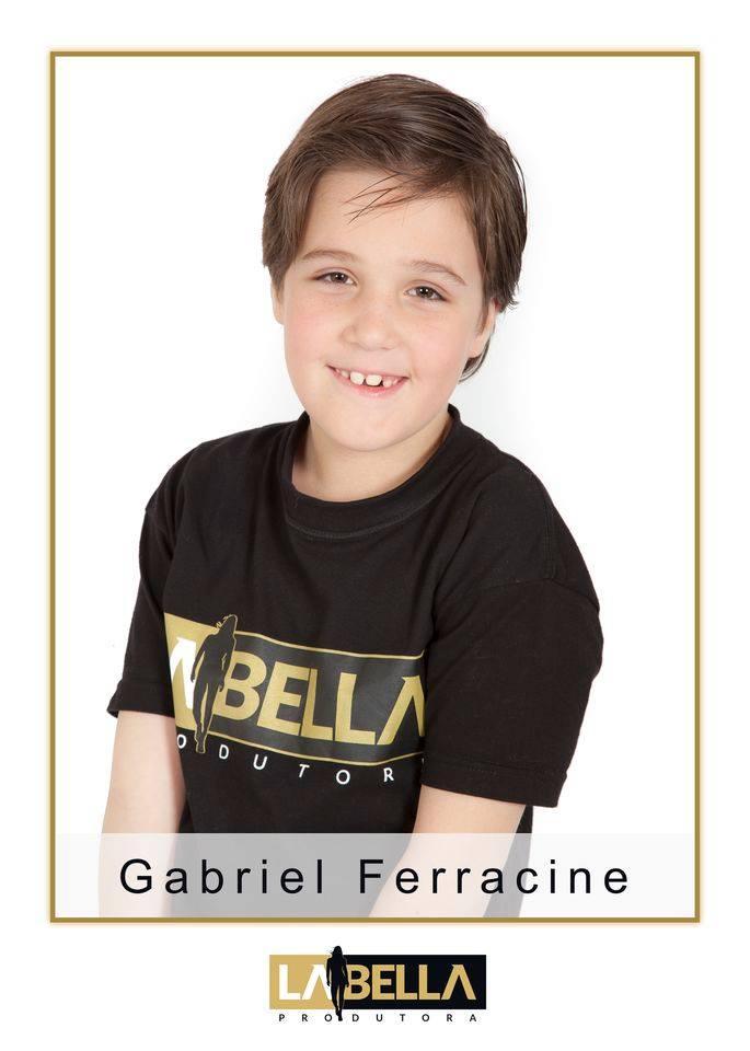 Gabriel Ferracine estrela campanha nacional para OMO